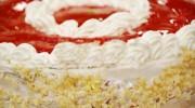 Çilekli Fındıklı Pasta