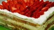 Dört Köşeli Çilekli Pasta